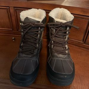 Boys Nautical winter boots size 1